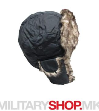 Шубара за во зима со крзно црна боја